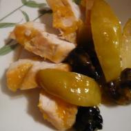 Фото рецепта: Филе кур с яблоками и черносливом в мультиварке