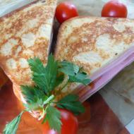 "Фото рецепта: ""Горячий сэндвич"" в мультиварке"