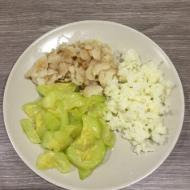 Треска с кабачком и рисом на пару