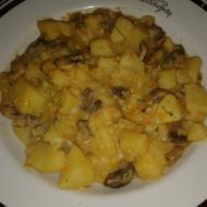 Тушеные грибы с картошкой в томатно-сливочном соусе - рецепт для мультиварки