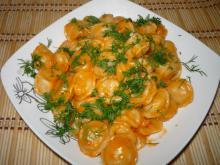 Пельмени в сметано-томатном соусе из мультиварки