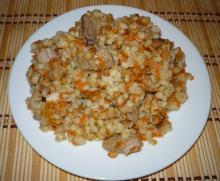 Перловая каша со свининой из мультиварки | фото готового блюда на сайте multipovara.ru