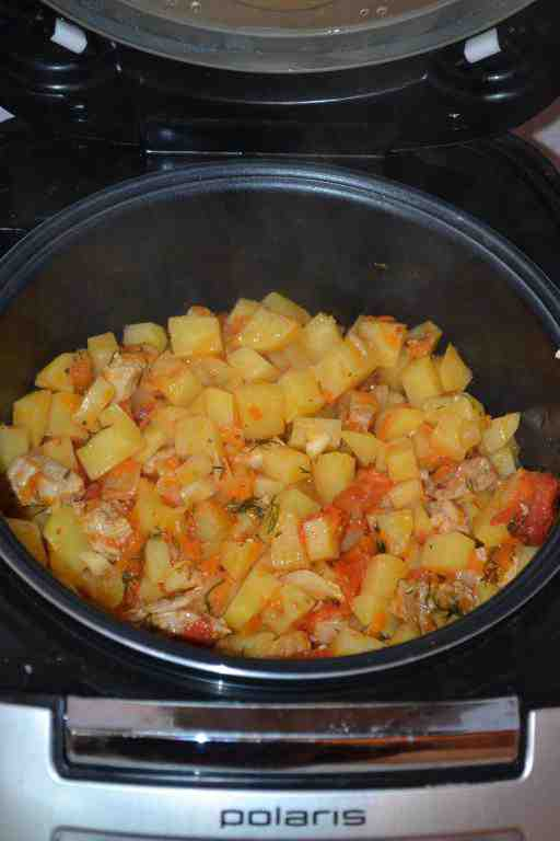 Рецепт для мультиварки - Картошка с мясом и помидорами в мультиварке