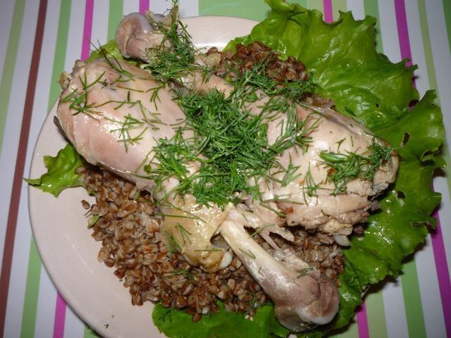 Курица в собственном соку + гречневая каша. Рецепт – дуэт для мультиварки.
