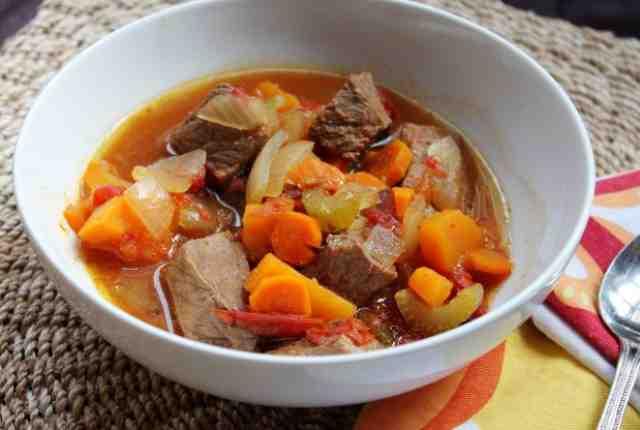 Тушеное мясо с картофелем и тыквой в мультиварке